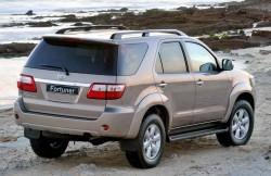 Toyota Fortuner, японский автопроизводитель, машина, модель