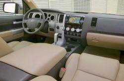 Toyota Tundra, интерьер, передняя панель, японский автопроизводитель
