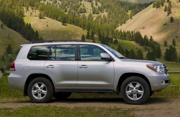Toyota Land Cruiser 200 после 60 лет метаморфоз