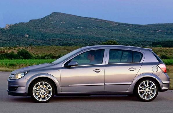 Opel Astra – обзор немецкого середнячка. Двигатели