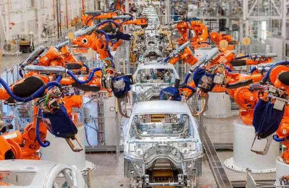 Как роботы собирают автомобили Мерседес