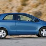Toyota Yaris  — просторный малыш хэтчбек