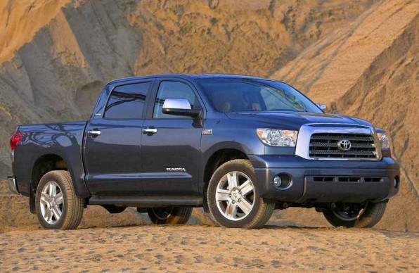 Toyota Tundra – смесь бешеного грузовика и солидного пикапа